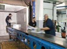 Recepcionamos mercancía paletizada y granel, verificamos el estado de los productos y controlamos su temperatura